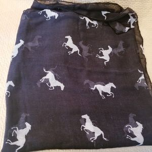 Accessories - 2/15$ Horse scarf black with gray horses